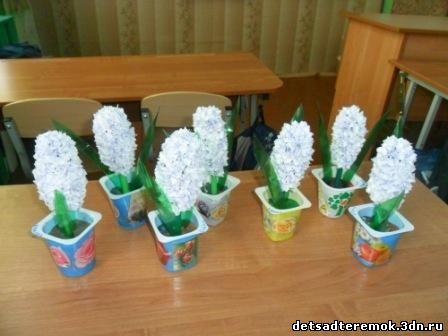 Вот такими подарками встретили дети подготовительной группы своих мам.